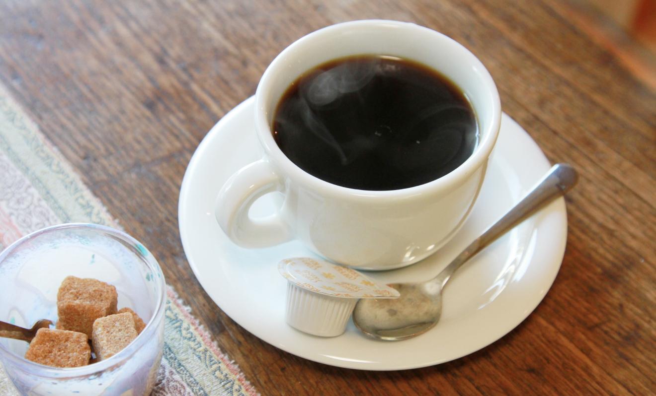 「名水100選 滝の不動尊」の湧き水で淹れたコーヒー